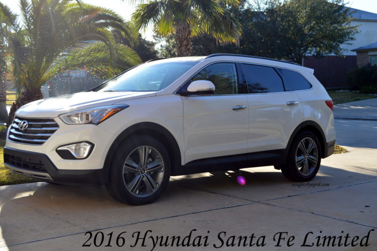 hyundai santa fe limited space for all soccer mom life. Black Bedroom Furniture Sets. Home Design Ideas