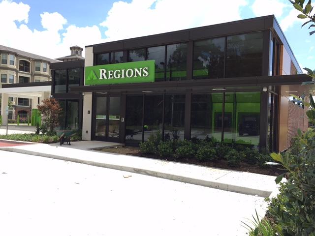 Kingwood Regions Bank Exterior Image