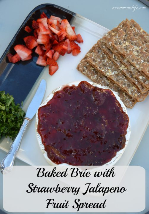 baked brie with strawberry jalapeno spread