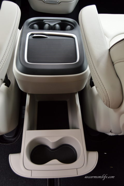 chrysler pacifica cup holders