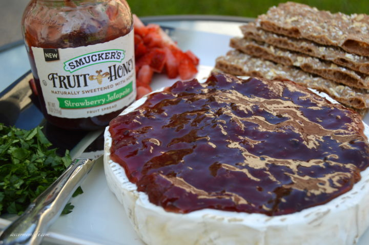 smucker's strawberry jalapeno baked brie
