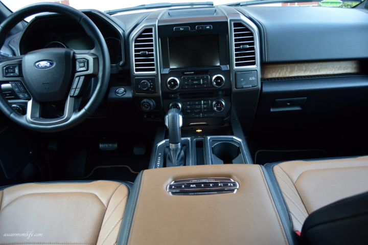 ford-f-150-limited-dashboard
